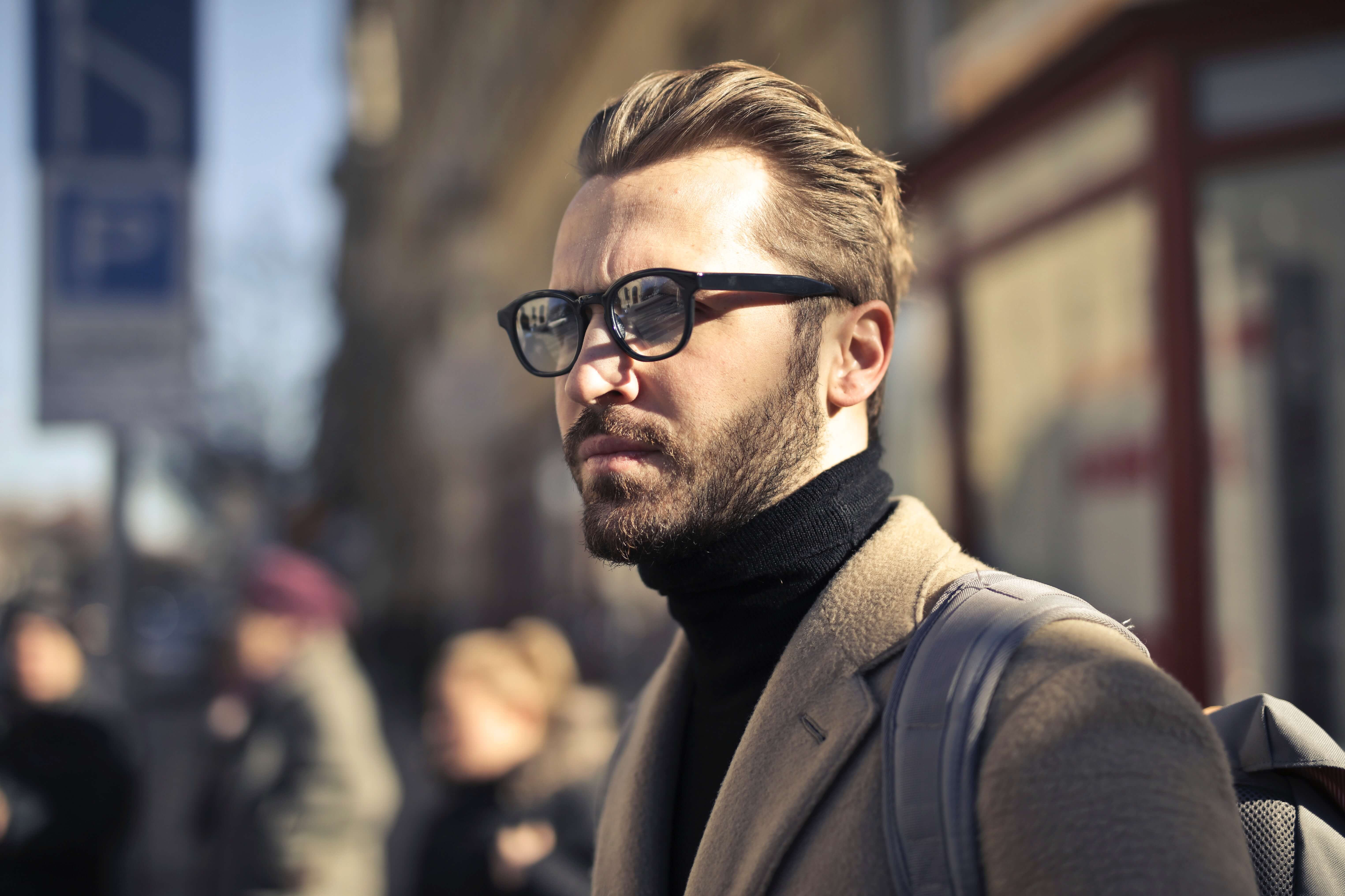what-your-eyewear-says-about-you_smart