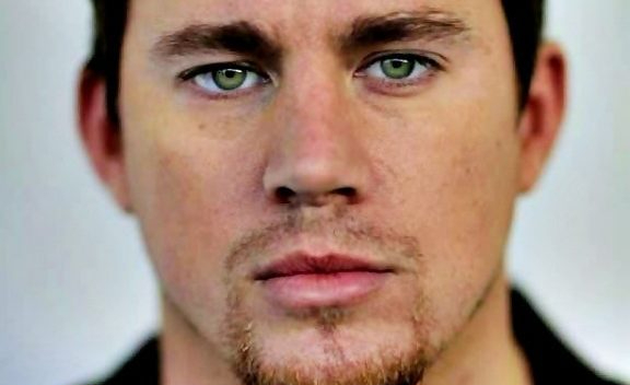 channing-tatum-green-eyes-576x3812-e1521586259281